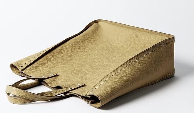 una delle borse della collezione Fontana